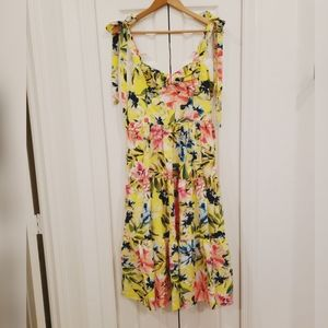 NWT Eliza J Tropical Yellow Floral Midi Dress